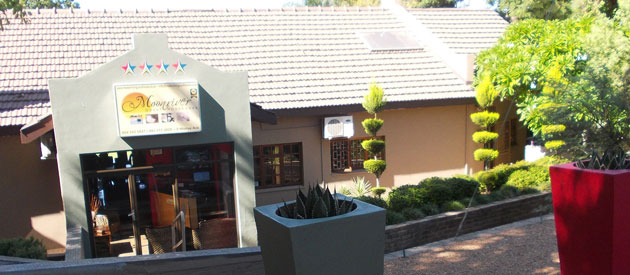 MOONRIVER GUEST HOUSE, UPINGTON